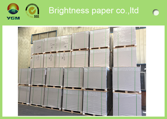 China Anti Curl Clay Coated Kraft Paper , Smooth Cardboard Backing Sheets For Present Case supplier