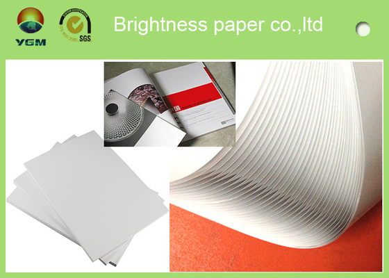 China Good Smoothness White Glossy Art Paper Couch Paper Roll For Printing Magazines supplier